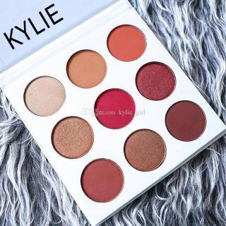 kylie-jenner-makeup-palettes-pressed-powder.jpg