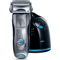 The Braun Series 7-790cc Clean