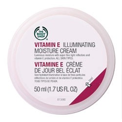 The Body Shop Vitamin E Illuminating Moisture Cream
