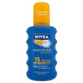 NIVEA SUN Moisturising Spray SPF 15 (Medium) With Long Lasting Moisturisation