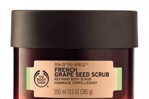 Body Shop Spa of the World -French Grape Seed Scrub